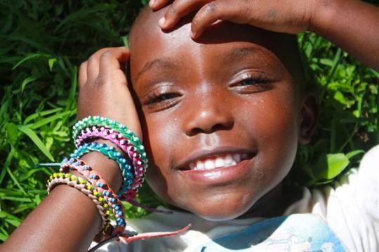 Djevojčica iz Malog doma koja osvaja svojim trepavicama, osmjehom i, naravno, narukvicama