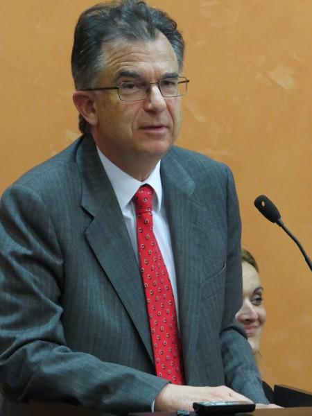 Profesor Emilio Marin
