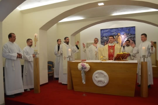 Pomoćni biskup zagrebački mons. Ivan Šaško predvodio euharistijsko slavlje za Dan HKS-a