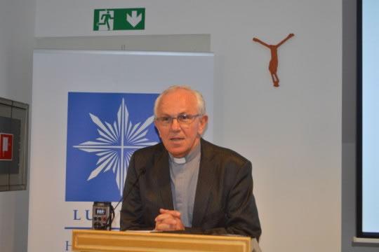 Pomoćni vrhbosanski biskup i promicatelj Sustava katoličkih škola za Europu Pero Sudar
