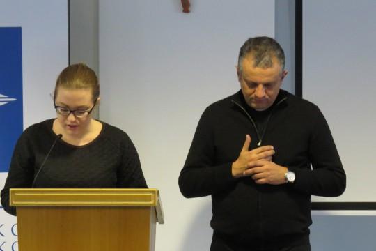 Susret sa studentima sociologije započeo je zajedničkom molitvom.