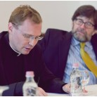 Rektor Szuromi s Katoličkog sveučilišta Pázmány Péter  i prof. James McAdams