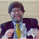 Profesor A. James McAdams