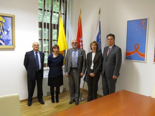 Delegacija Sveucilista Orléans s prorektorom za međunarodne odnose prof. dr. sc. Emilijom Marinom i doc. dr. sc. Ines Sabotič, pročelnicom Odjela za povijest.