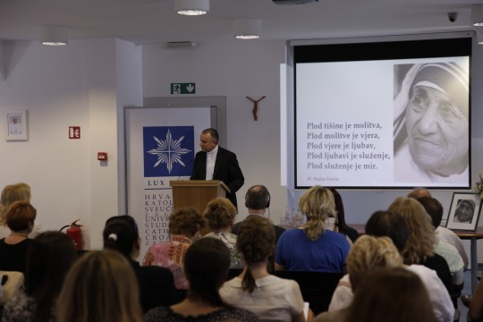 Predavanje dr. Davida Olivera na HKS-u_prof. dr. sc. Tanjić