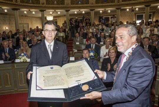 Prof. dr. sc. Emilio Marin s gradonačelnikom Grada Zagreba g. Bandićem