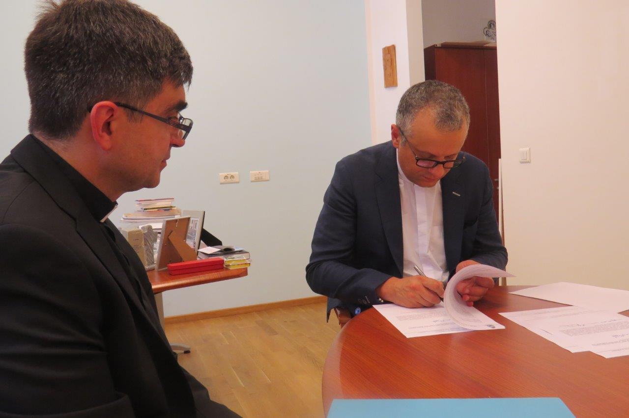 Potpisan Sporazum O Suradnji Između Zupe Nase Gospe Kraljice Hrvata